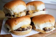 cheeseburger-sliders-300x225